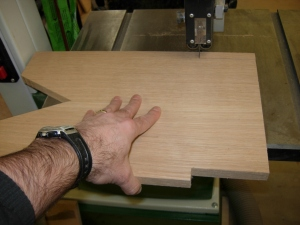 Cutting the support rail notches