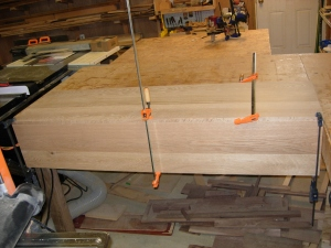 Glueing and clamping the right side