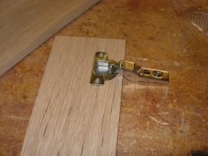 Test hinge installation