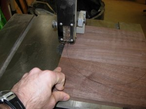 Cutting with the bandsaw