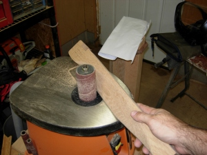 Smoothing on the spindle sander
