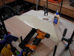 Attaching the bottom veneer