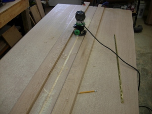 Cutting the center groove on the back
