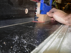 Cutting the edge banding