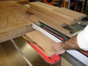 Cutting the horizontal parts of the door frame