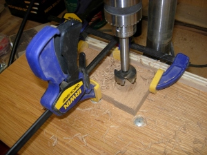 Cutting the round corners for the feet