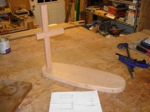 Cross beam set in mortise