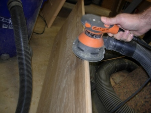 Finishing the radius with the sander