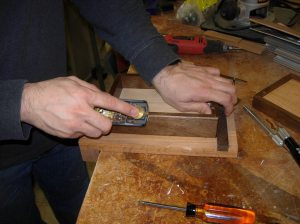 Planing a chamfer on the back of the box
