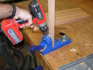 Drilling a double pocket hole