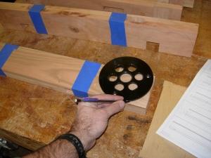 Marking the radius on the upper leg beam