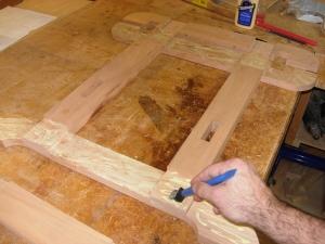 Applying glue to legs