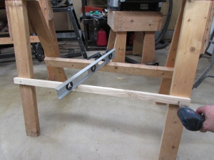 Adding another rail to the saw horse