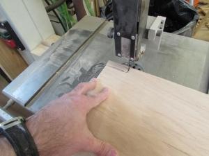 Cutting notches in the shelf