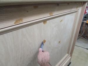 Filling nail holes